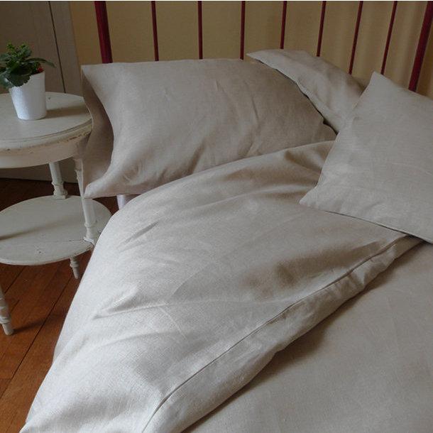 taie d 39 oreiller carr e en lin. Black Bedroom Furniture Sets. Home Design Ideas