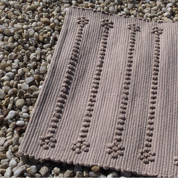 tapis de salle de bain camel fibres recycl es. Black Bedroom Furniture Sets. Home Design Ideas
