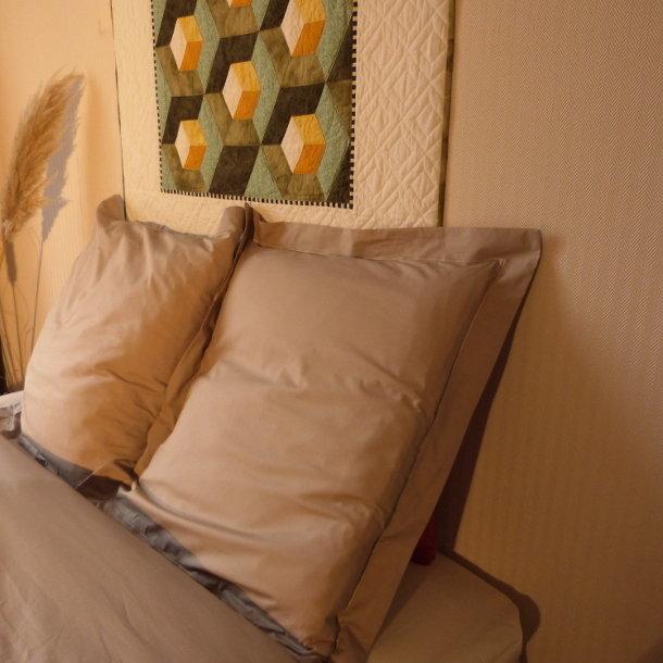 taie d 39 oreiller percale de coton bio taupe. Black Bedroom Furniture Sets. Home Design Ideas