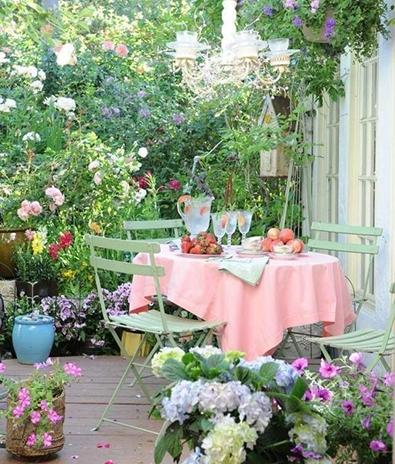 Comment choisir son salon de jardin ma d co au naturel plusdecoton - Table jardin romantique fort de france ...